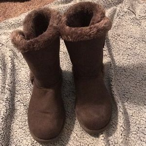 Shoes - Knock off UGG boots